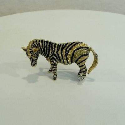 18KY Enamel Zebra Pin w/Ruby Eyes