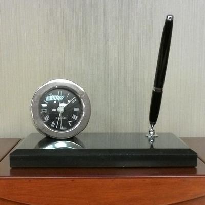 zDesk Clock-stand/Pen
