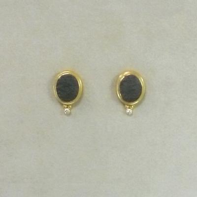 22/20/18KY Arizona Black Jade/Diamond Studs