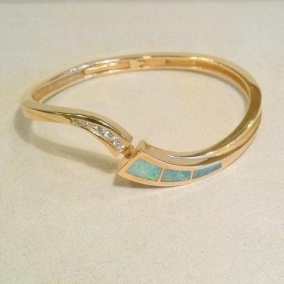 14KY Opal/Diamond Hinged Bangle