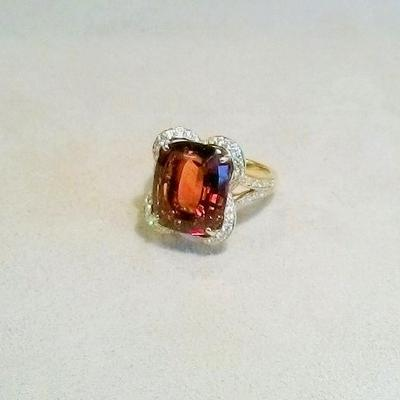 18KY Cintrine/Diamond Ring