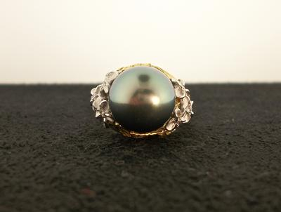 Tahitian Pearl & Diamond Ring -18KYW
