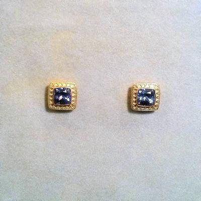 22/20/18KY Tanzanite Stud Earrings