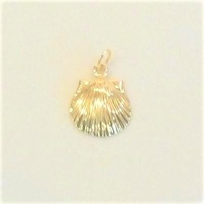 14KY Scallop Shell Charm