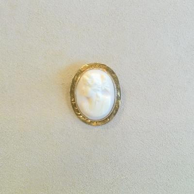 10KY Shell Left Facing Cameo Pin/Pendant