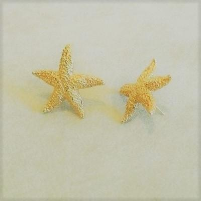 14K Gold Large Starfish Pierced Earrings