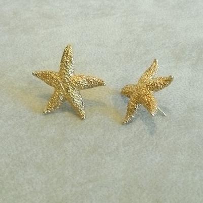 14K Gold Large Starfish Pierced Earrings