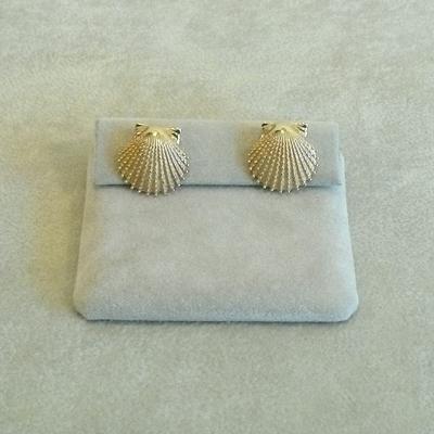 14K Gold Knobby Scallop Shell Pierced Earrings