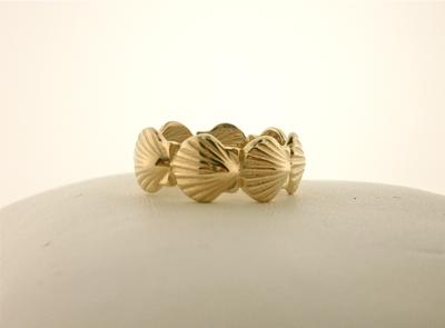 14K Yellow Gold Scallop Shell Band Ring