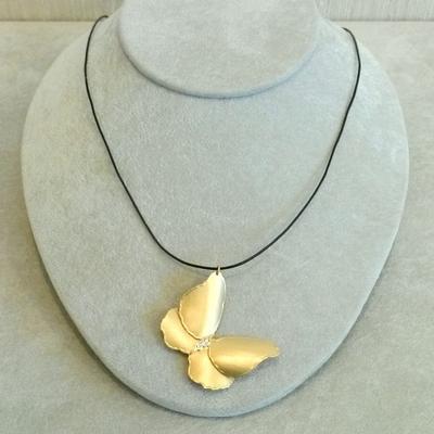 14KY/22KY Wash Butterfly w/Diamonds Pendant
