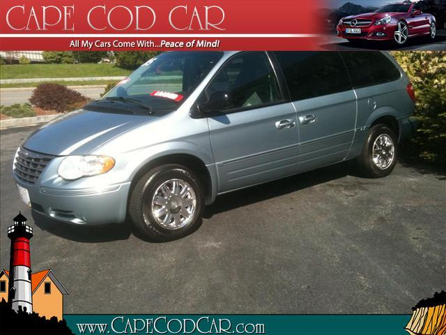 05 Chrysler Town and Country Limited