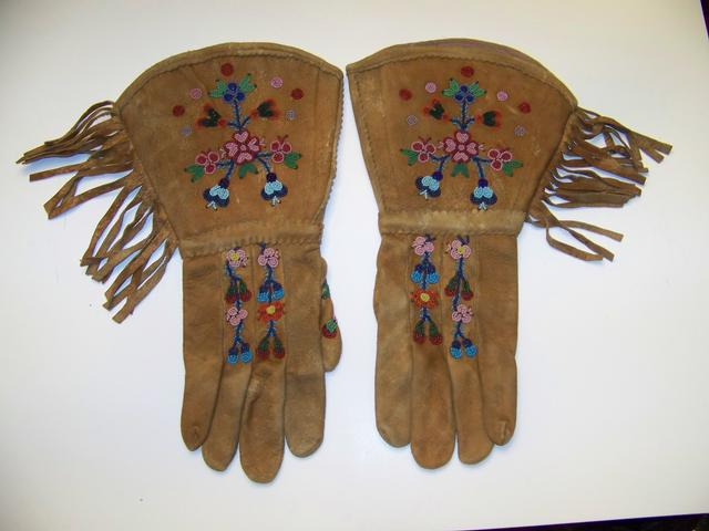 Native American Beaded Gauntlets item ai5414