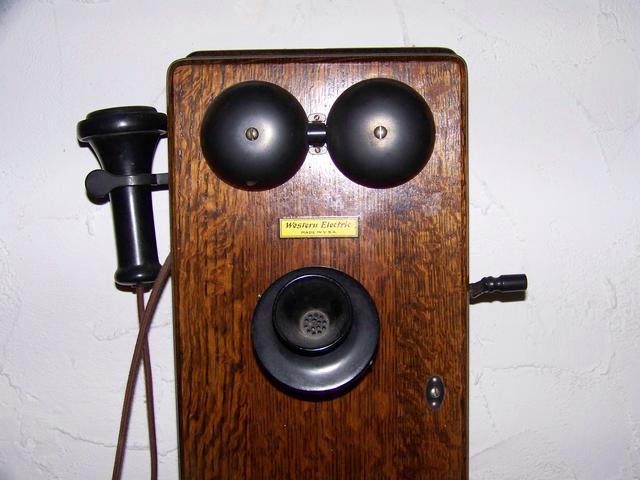 Antique Crank Wall Phone Western Electric item am5415