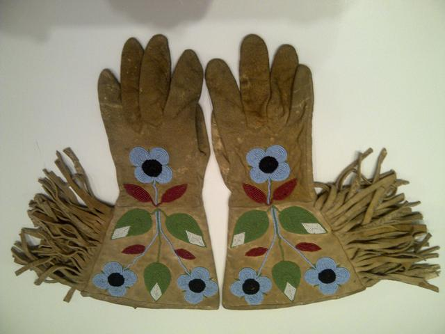 Beaded Native American Gauntlets item ai5409