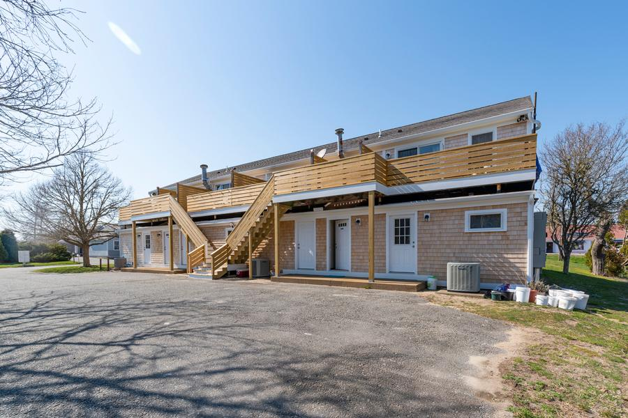 1247 B Main Street, Chatham, MA - Chatham Vacation Rental slide 4
