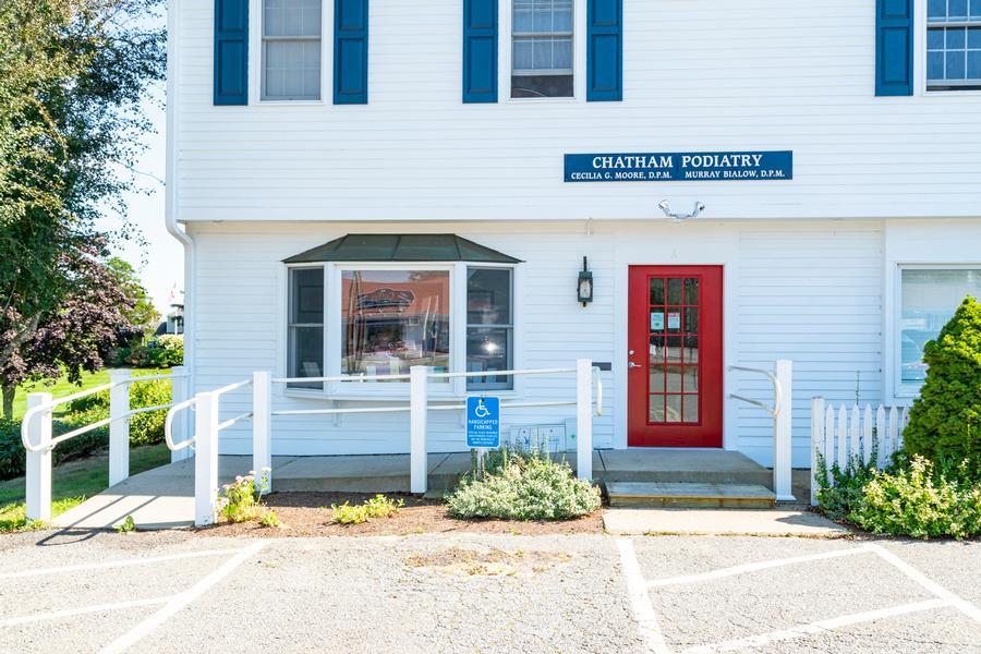 1245 A Main Street, Chatham, MA - Chatham Vacation Rental slide 1