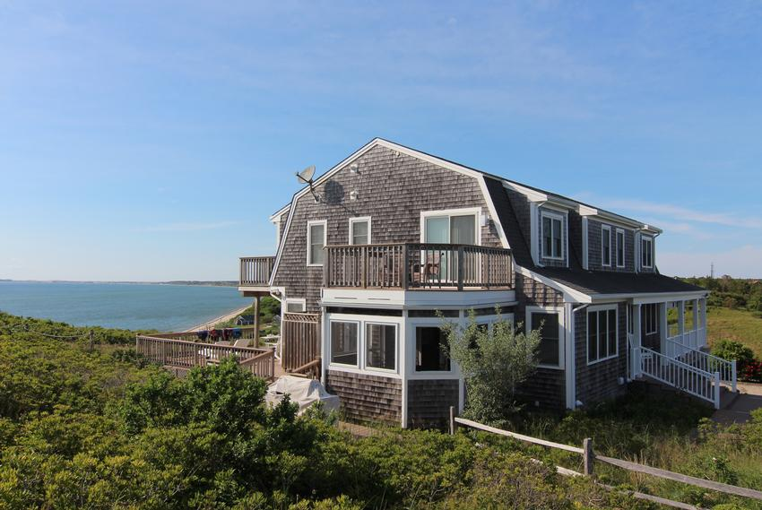 Truro vacation rentals truro real estate and truro for Cape cod beach homes for sale